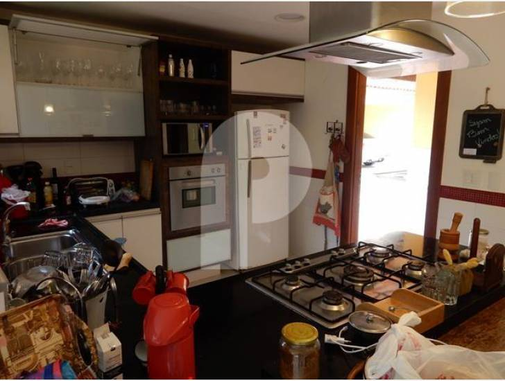 Casa para Temporada  à venda em Araras, Petrópolis - RJ - Foto 26