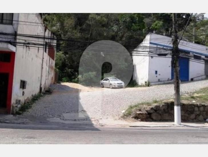 Terreno Comercial à venda em Retiro, Petrópolis - RJ - Foto 1