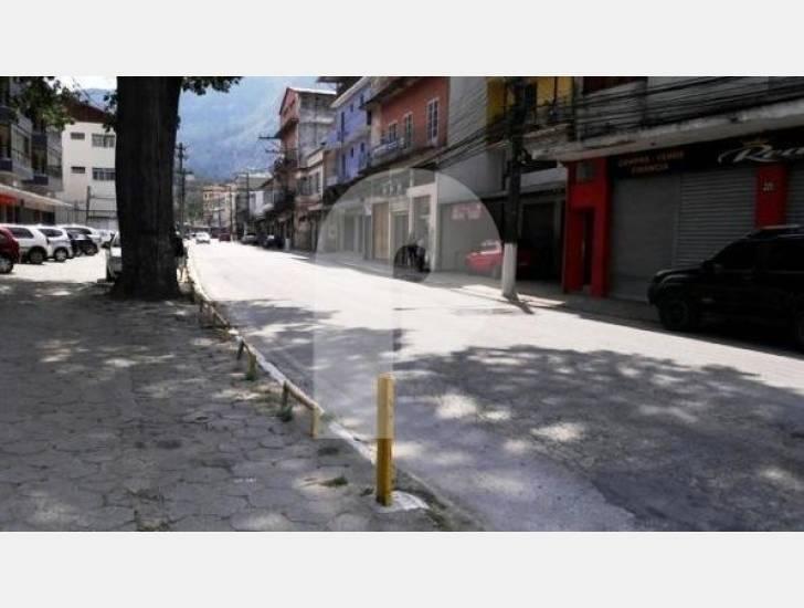 Terreno Comercial à venda em Retiro, Petrópolis - RJ - Foto 2
